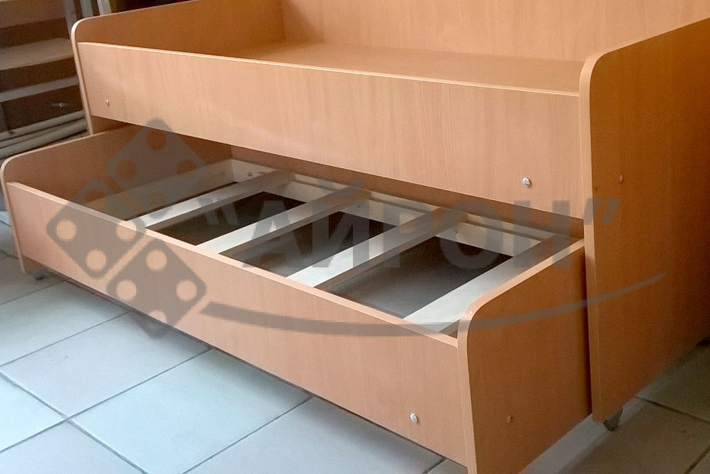 Детская кроватка - мебель для детских садов